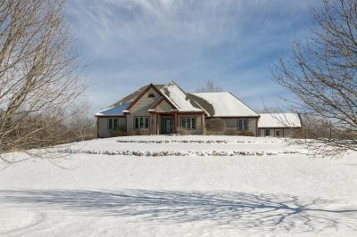 Photo of 640 Bayberry Ln, Slinger, WI 53086