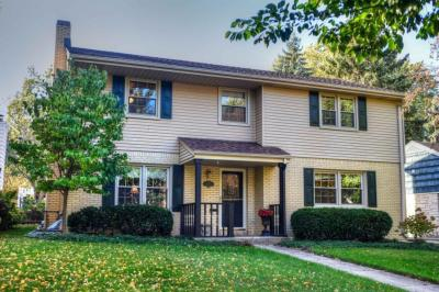 Photo of 627 Elm Spring Ave, Wauwatosa, WI 53226