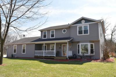 Photo of 5870 S Hacker Dr, West Bend, WI 53095
