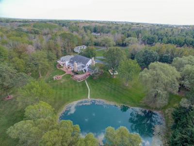 Photo of 13340 N Hawthorne Ct, Mequon, WI 53097