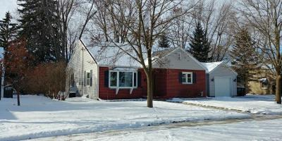 Photo of 960 E Lincoln Dr, West Bend, WI 53095