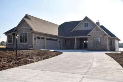 Photo of 4045 Whispering Pass, Richfield, WI 53076