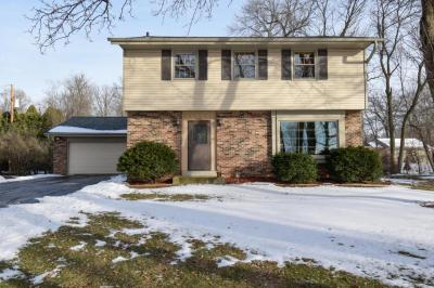 Photo of 300 S Rosedale Dr, Brookfield, WI 53005