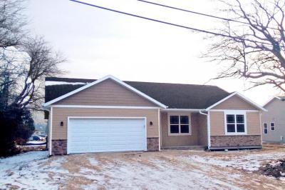 Photo of 4823 W Goodrich Ln, Brown Deer, WI 53223