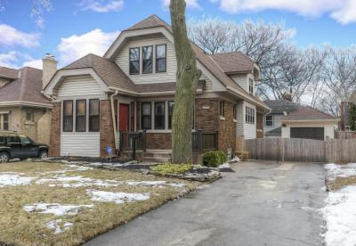 Photo of 2328 N Lefeber Ave, Wauwatosa, WI 53213