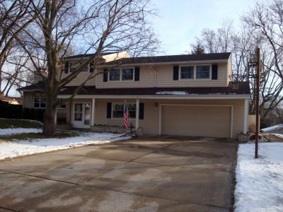 Photo of 1410 N 119th St, Wauwatosa, WI 53226