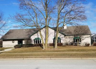 Photo of 1608 E Sunset Dr, Waukesha, WI 53189