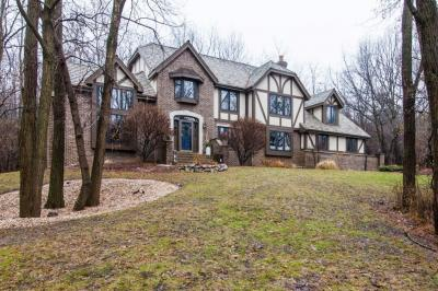 Photo of 1041 N Lost Woods Rd, Summit, WI 53066