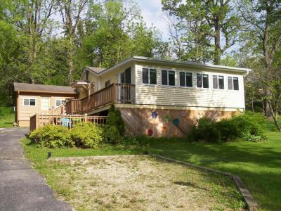 Photo of N3339 Queen Rd, Geneva, WI 53147