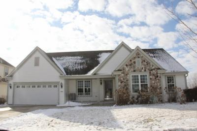 Photo of 1701 Tumbleweed Cir, West Bend, WI 53095