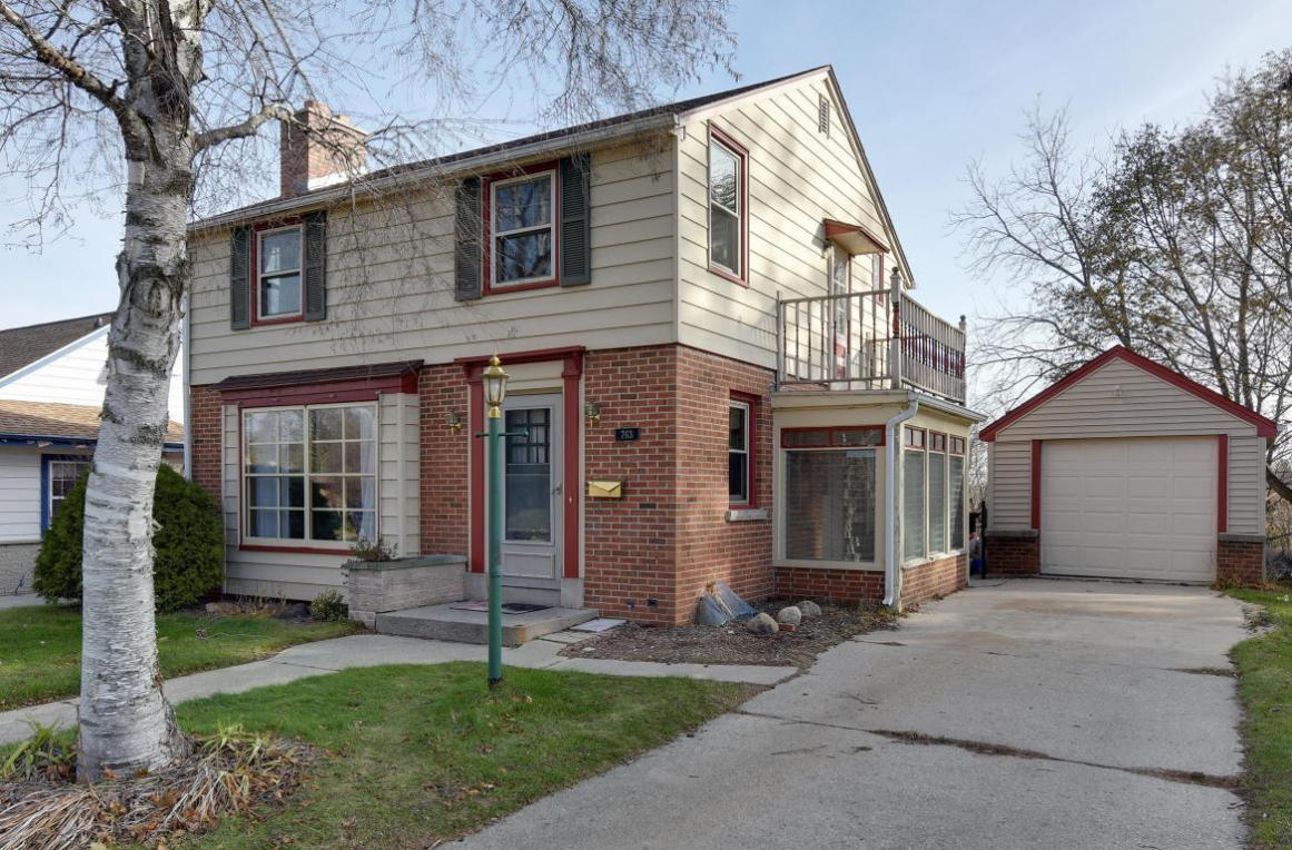 763 S 7th Ave, West Bend, WI 53095