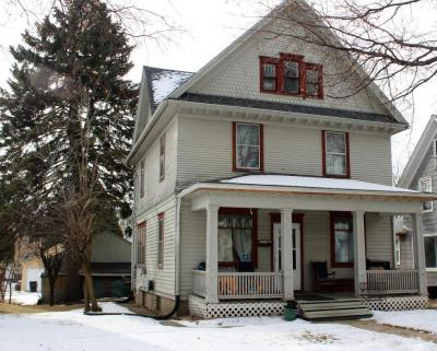 Photo of 139 Edgewood Ln, West Bend, WI 53095
