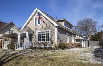 Photo of 314 E Beaumont Ave, Whitefish Bay, WI 53217