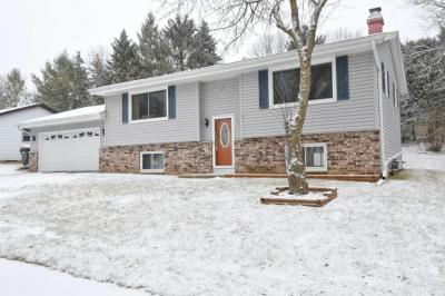 Photo of 1521 Patricia Dr, West Bend, WI 53090