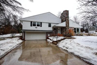 Photo of 955 Grandview Dr, Elm Grove, WI 53122