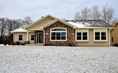 Photo of 6173 S 40th St, Greenfield, WI 53221
