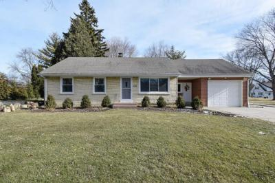 Photo of 1100 Wilson Dr, Brookfield, WI 53005