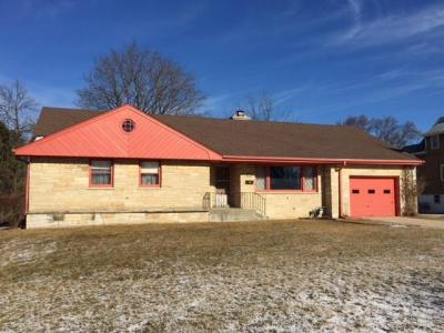 Photo of 1504 Marquette Ave, South Milwaukee, WI 53172