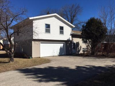 Photo of 330 W Mall Rd, Glendale, WI 53217