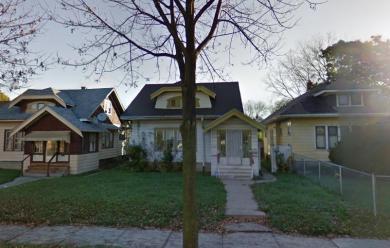 2424 N 49th St, Milwaukee, WI 53210