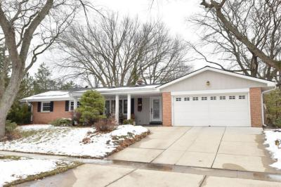 Photo of 5234 Manchester Ct, Greendale, WI 53129