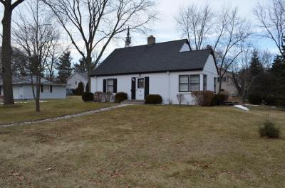Photo of 11404 W Parnell Ave, Hales Corners, WI 53130