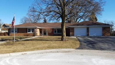 Photo of 221 Selma St, Plymouth, WI 53073