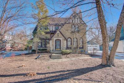 Photo of 550 N 68th St, Wauwatosa, WI 53213