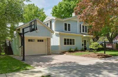 Photo of 621 W Labelle Ave, Oconomowoc, WI 53066
