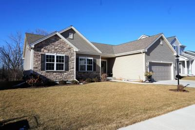 Photo of W206N16365 Marshland Dr, Jackson, WI 53037