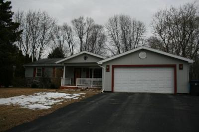 Photo of 240 Meadowbrook Dr, Fredonia, WI 53021