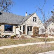 Photo of 2433 S 52nd St, West Allis, WI 53219
