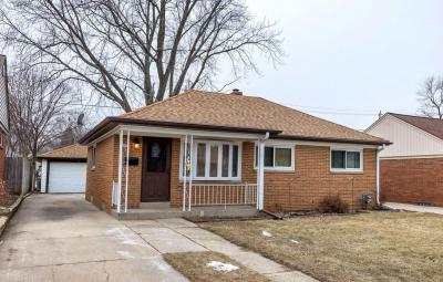 Photo of 4067 S Kirkwood Ave, St Francis, WI 53235
