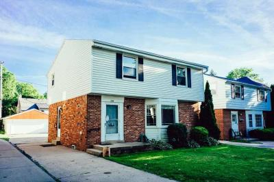 Photo of 349 E Day Ave, Whitefish Bay, WI 53217