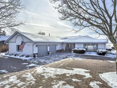 Photo of 948 Ceylon Ct, Lake Geneva, WI 53147
