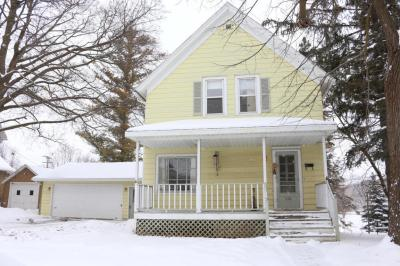 Photo of 210 Edna St, Plymouth, WI 53073