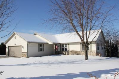 Photo of 541 Nordic Ct, Slinger, WI 53086