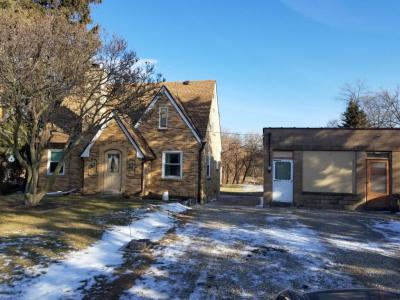 Photo of 4666 S 43rd St, Greenfield, WI 53220
