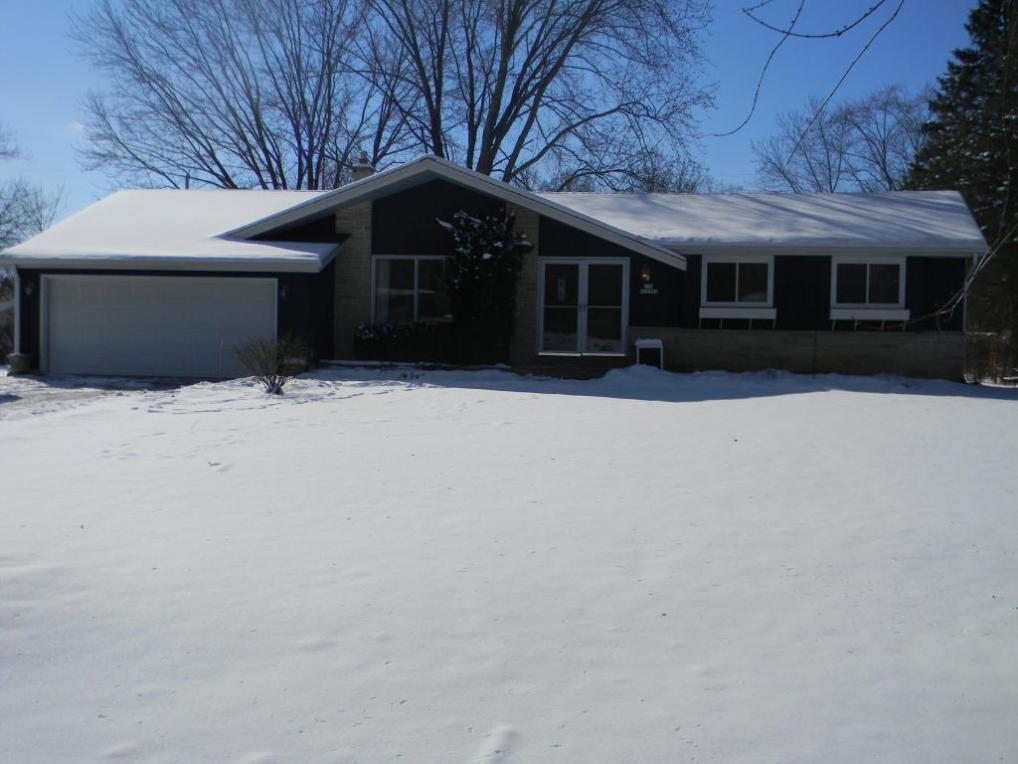 N78 W16301 Carl Ross Drive, Menomonee Falls, WI 53051