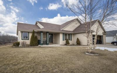Photo of 435 Emerald Hills Dr, Fredonia, WI 53021