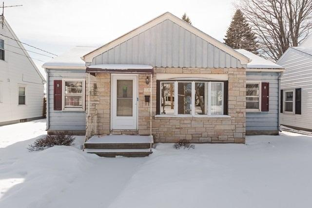 1709 29th St, Two Rivers, WI 54241