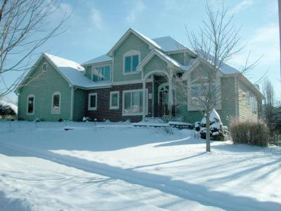 Photo of 265 Upper Woodford Cir, West Bend, WI 53090