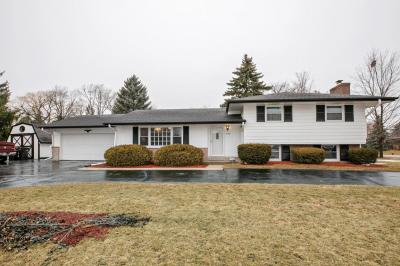 Photo of 4740 W Goodrich Ln, Brown Deer, WI 53223