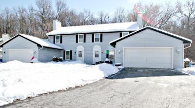 Photo of 21615 Mary Lynn Dr, Brookfield, WI 53045
