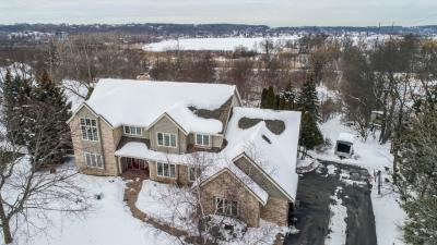 Photo of N18W30018 Crooked Creek Rd, Delafield, WI 53072