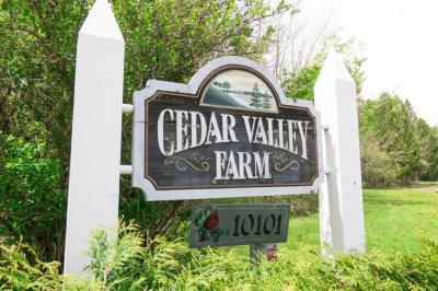 Photo of 10101 Cedar Creek Rd, Cedarburg, WI 53012