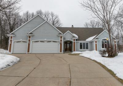 Photo of 4495 S Foxwood Blvd, Greenfield, WI 53228
