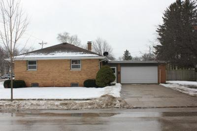 Photo of 404 South St, Plymouth, WI 53073