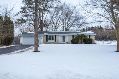 Photo of N64W30646 Beaver Lake Rd, Merton, WI 53029
