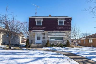 Photo of 3364 Strothmann Dr, Greenfield, WI 53219